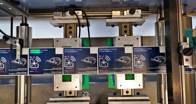 www.smag-graphique.com Машины для вклеивания RFID от SMAG GRAPHIQUE купить в России